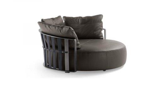 Дизайнерский диван Poltrona Frau Scarlett с ценой и фото в Симферополе